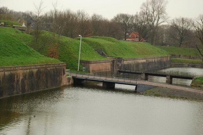 Місто-фортеця Нарден.  Нідерланди