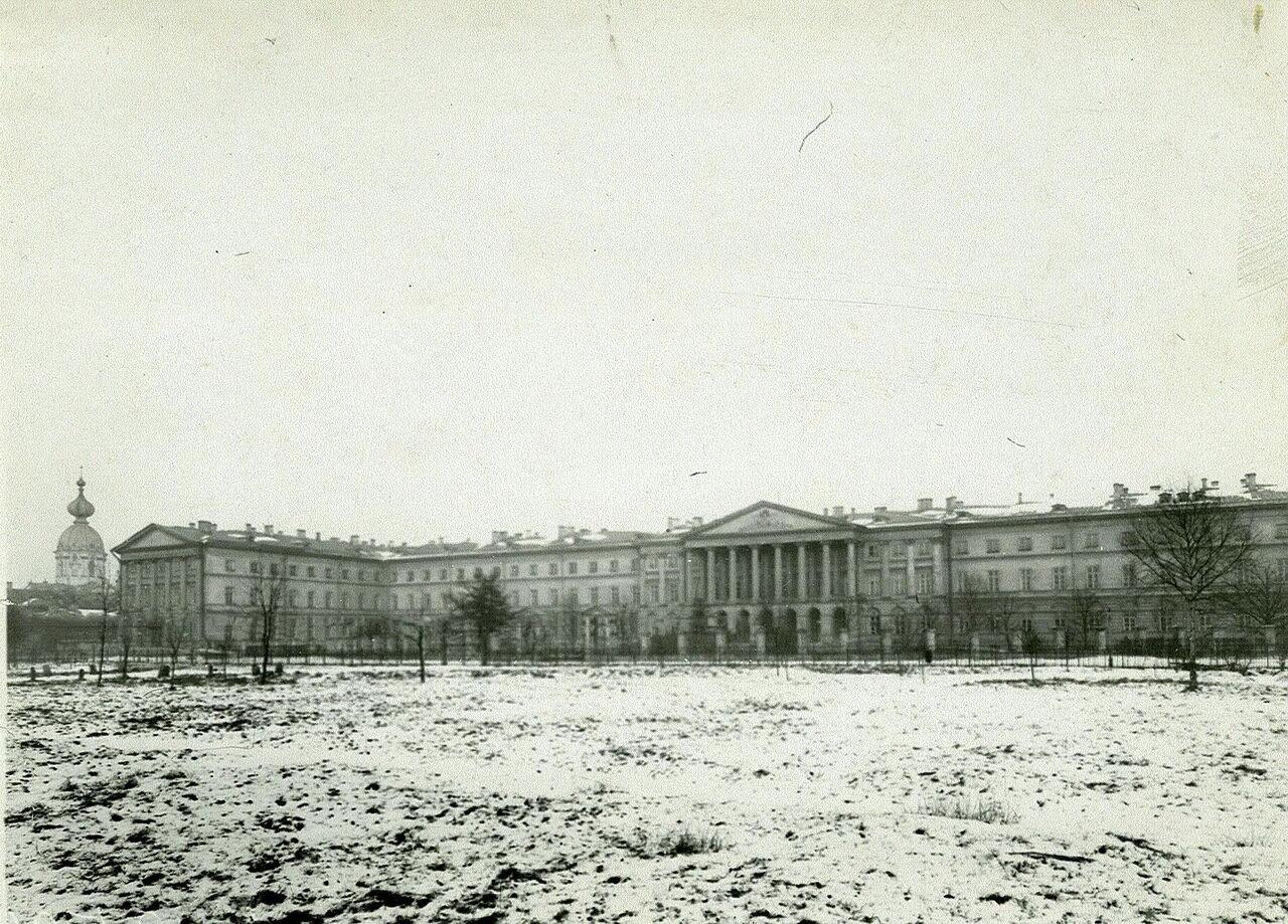 04. Общий вид здания Смольного института