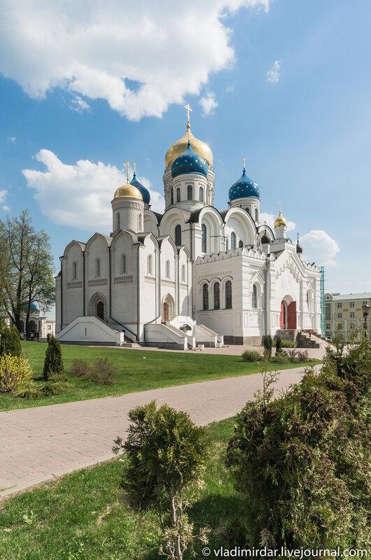 Никольский и Спасо-Преображенский соборы в Николо-Угрешском монастыре