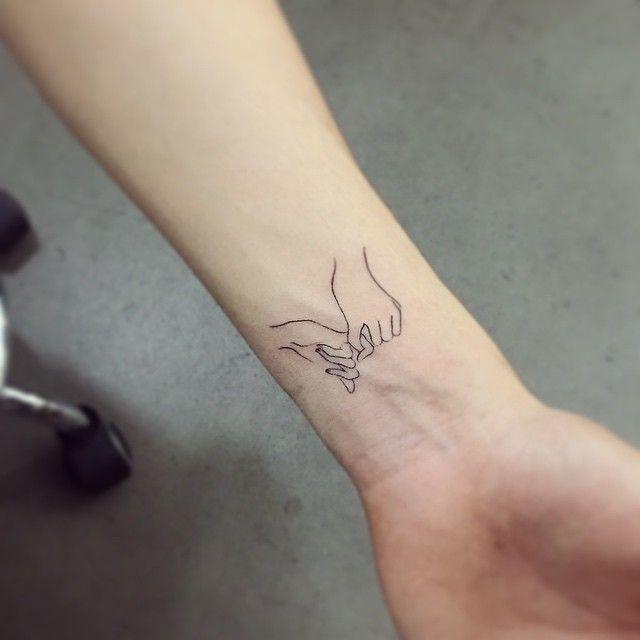 Тонкие татуировки для девушек