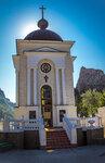 Православная часовня в честь 2000-летия Рождества Христов. Ласпинский перевал