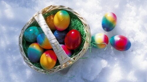 яйца на снегу