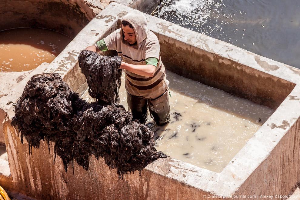Вот так выглядит один из цехов кожевенной фабрики в Марракеше: