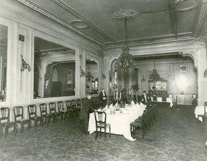 Банкетный зал.