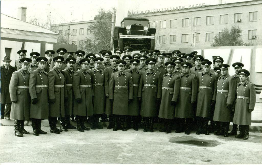 Памятник-автомобиль ГАЗ-АА, Белгород, В/Ч, конец 1980-х, фото из личного альбома полковника А.Мешкова