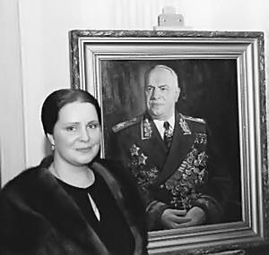 6-Мария Жукова с отцом.jpg