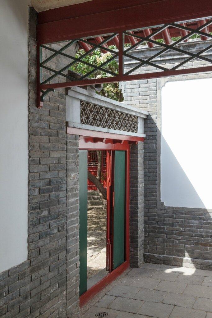 Вход в дом Лу Синя, сыхэюань