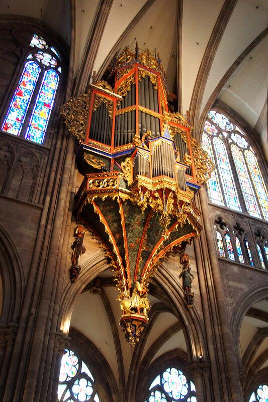 Страсбургский собор. Орган (корпус 1491 г.)