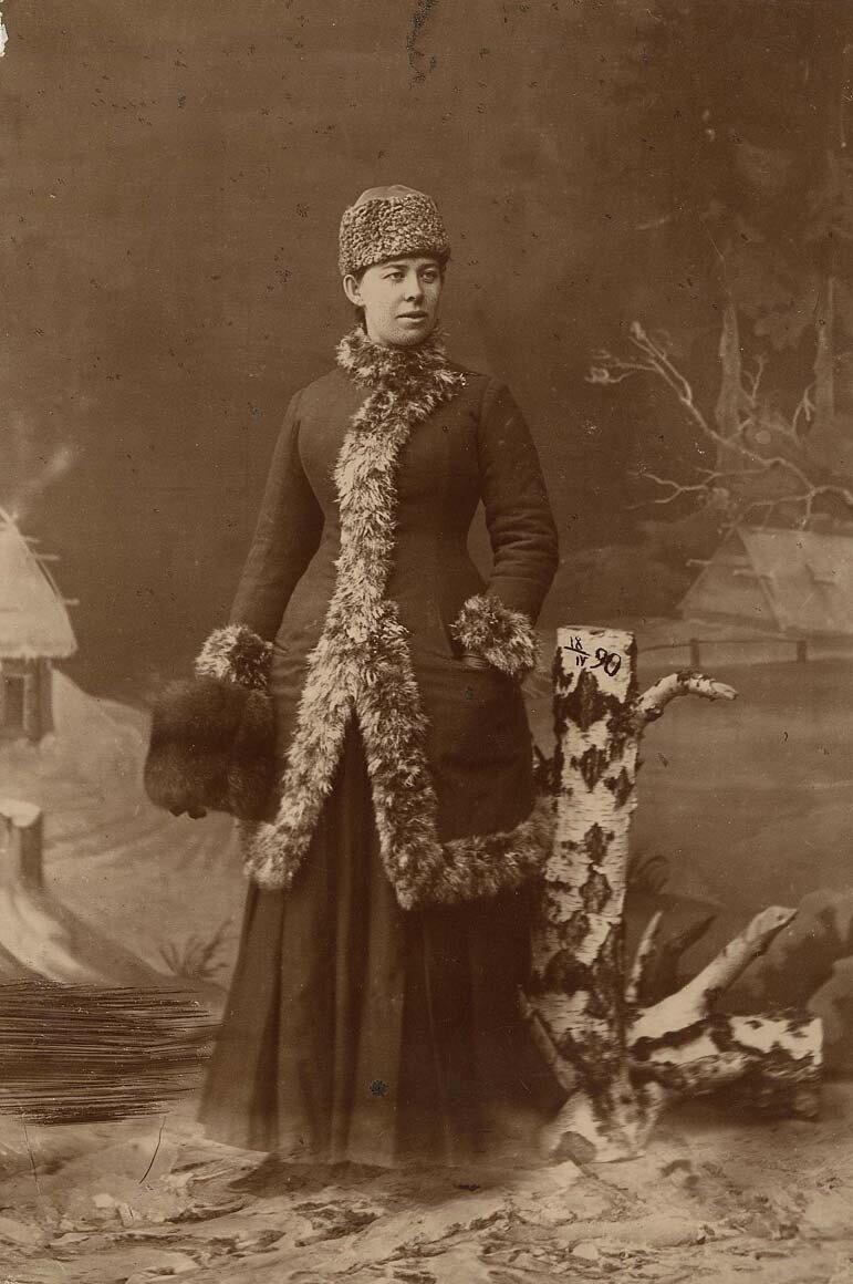 Фотопортрет Сисиной Антонины Лазаревны, конец 1890-х