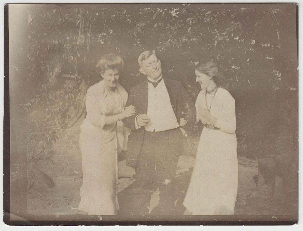 1913. Гвидо и Эвелин Майделл с  Ильзе Франк в Заверце (Польша)