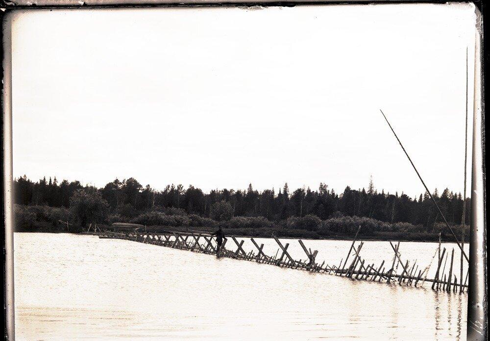 Запор на реке