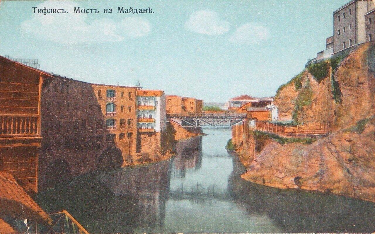 Мост на Майдане