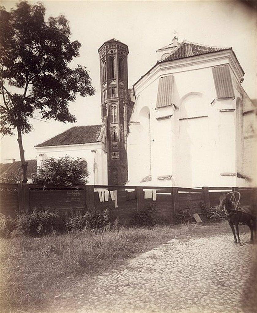 Задний фасад Бернардинского костела