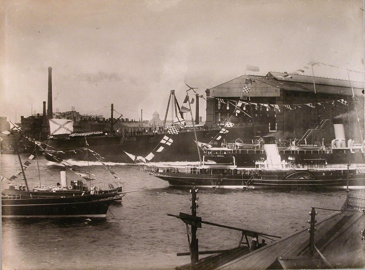001. Спуск линейного корабля  на воду со стапеля Балтийского завода