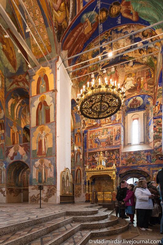 Рака с мощами святого Евфимия в Соборе Спаса Преображения Спасо-Евфимиева монастыря в Суздале
