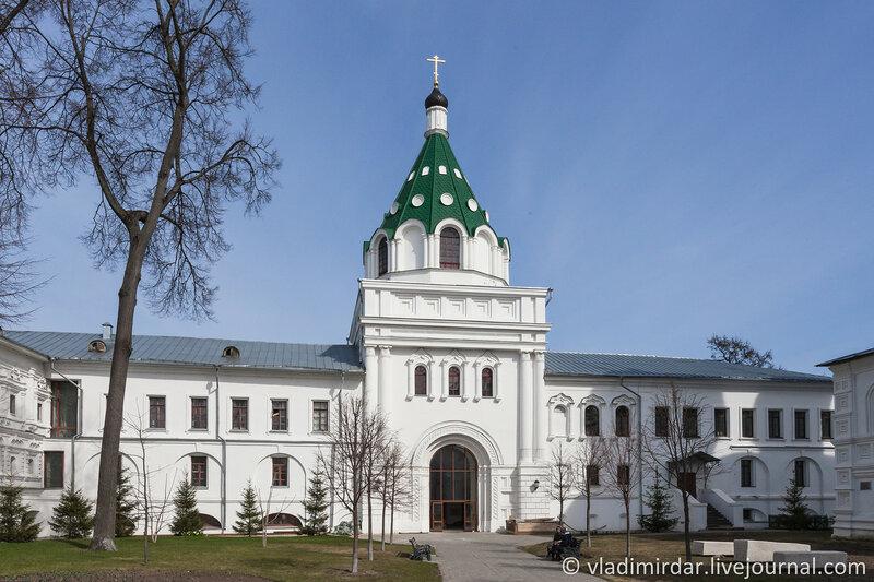 Церковь Хрисанфа и Дарии. Восточные Святые врата. Ипатьевский монастырь.
