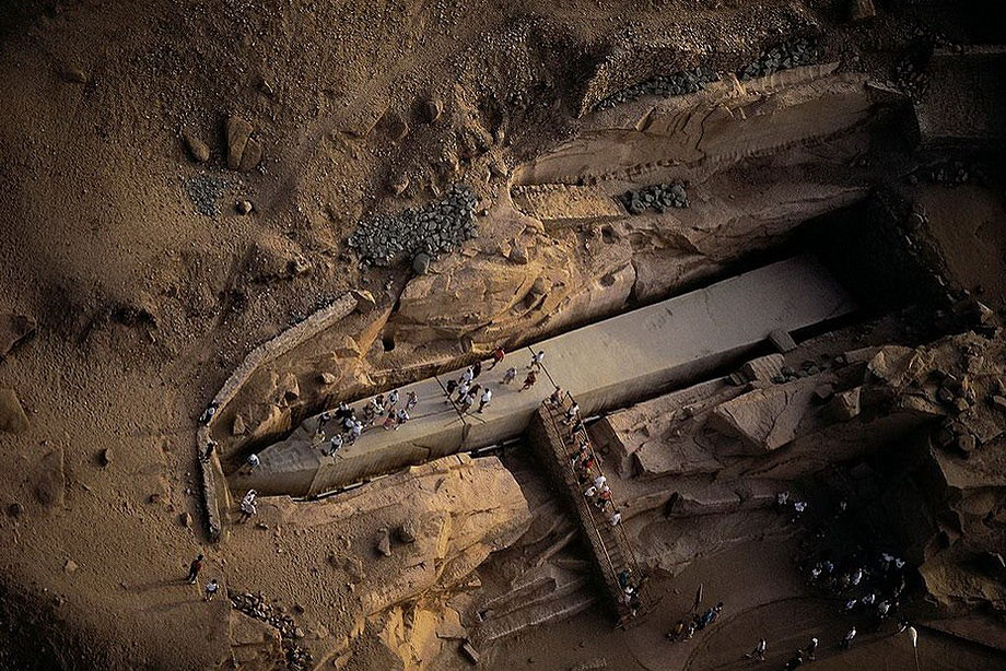 17. Древний египетский обелиск весом в 1185 тонн в Асуане, строительство которого было прекращено из