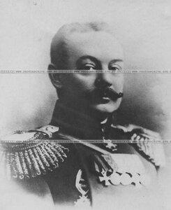 Армейский генерал в мундире (портрет).