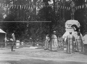 Момент открытия памятника шефу полка , великому князю Михаилу Николаевичу.