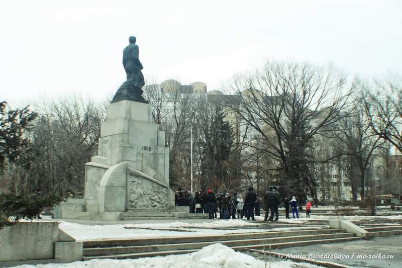 Митинг в защиту детского дома №2, Саратов, сквер борцов революции 1905 года, 16 марта 2014 года