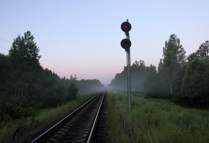 Прожекторный входной светофор Н станции Рождествено, вид на Вязьму