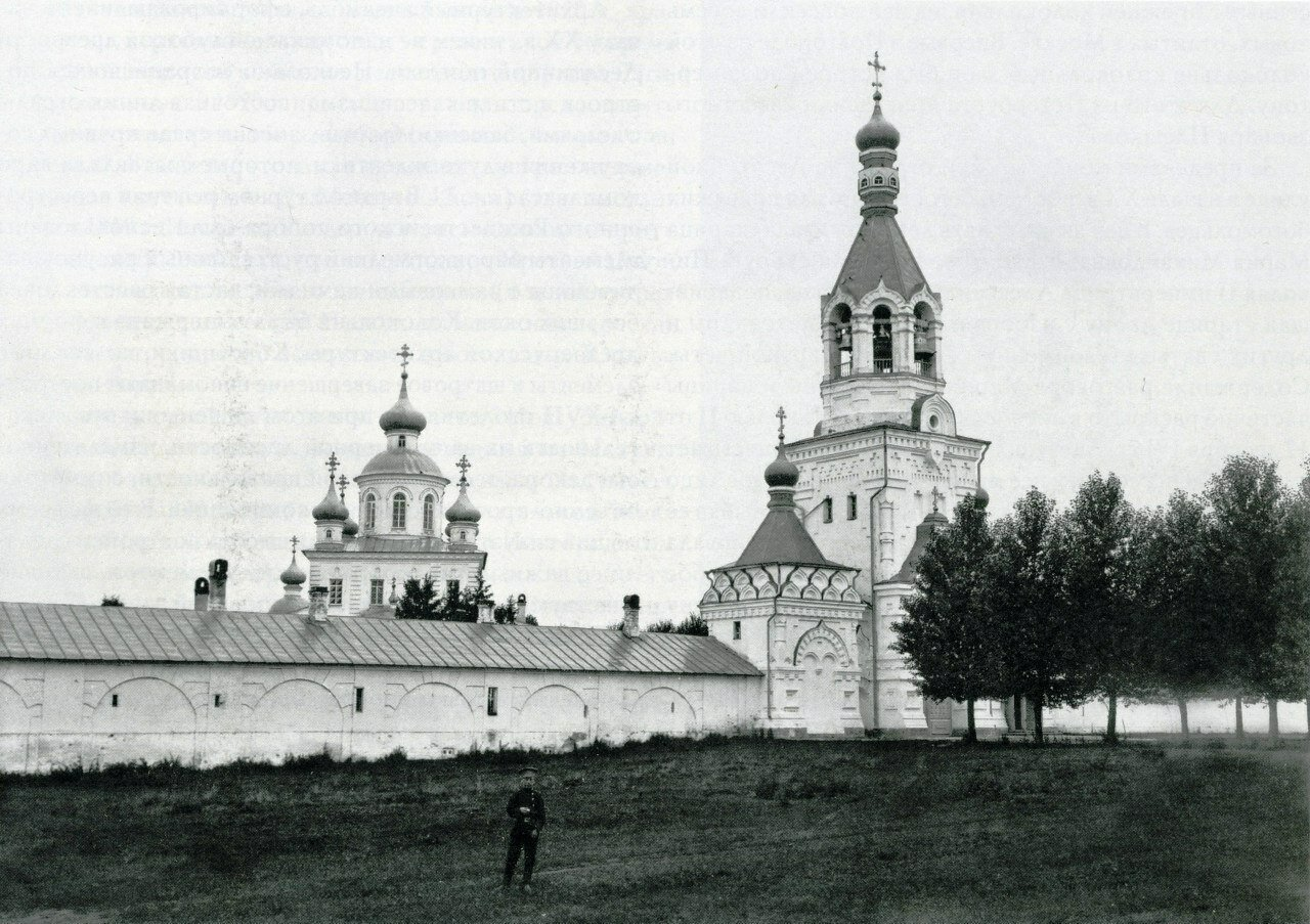 Десятинный монастырь. Вид с юго-востока после строительства новой колокольни