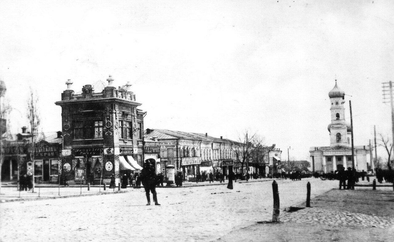 На пересечении улиц Екатерининской и Торговой