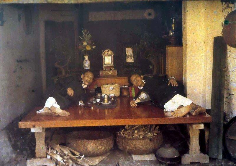 1915 Hanoi Fumeurs dOpium.JPG