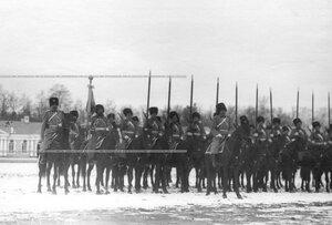 Казачья сотня на плацу во время парада полка .