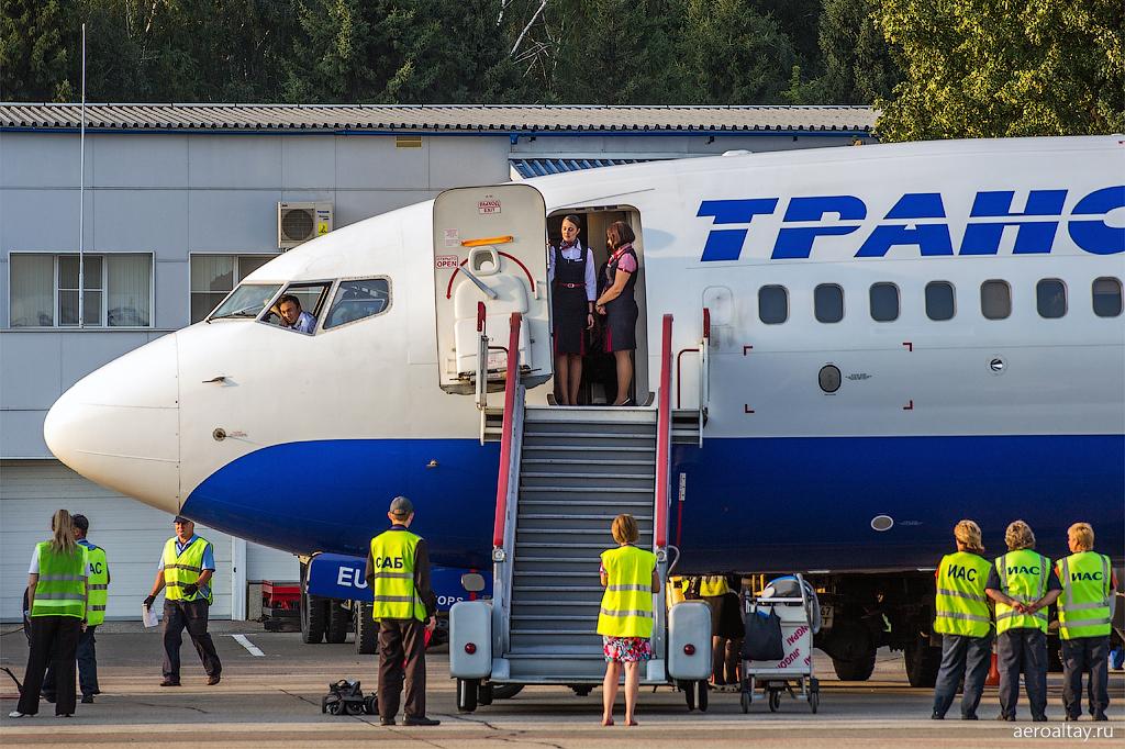 Обслуживание рейса UN 2333 Трансаэро в аэропорту Барнаула