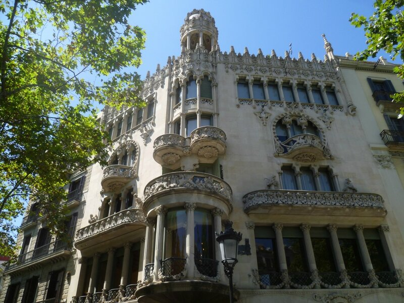 Дом Лео Морера (Casa Lleó Morera)