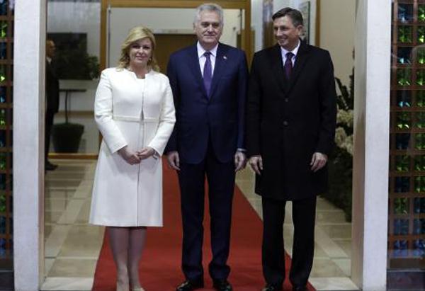 Николич в Загребе