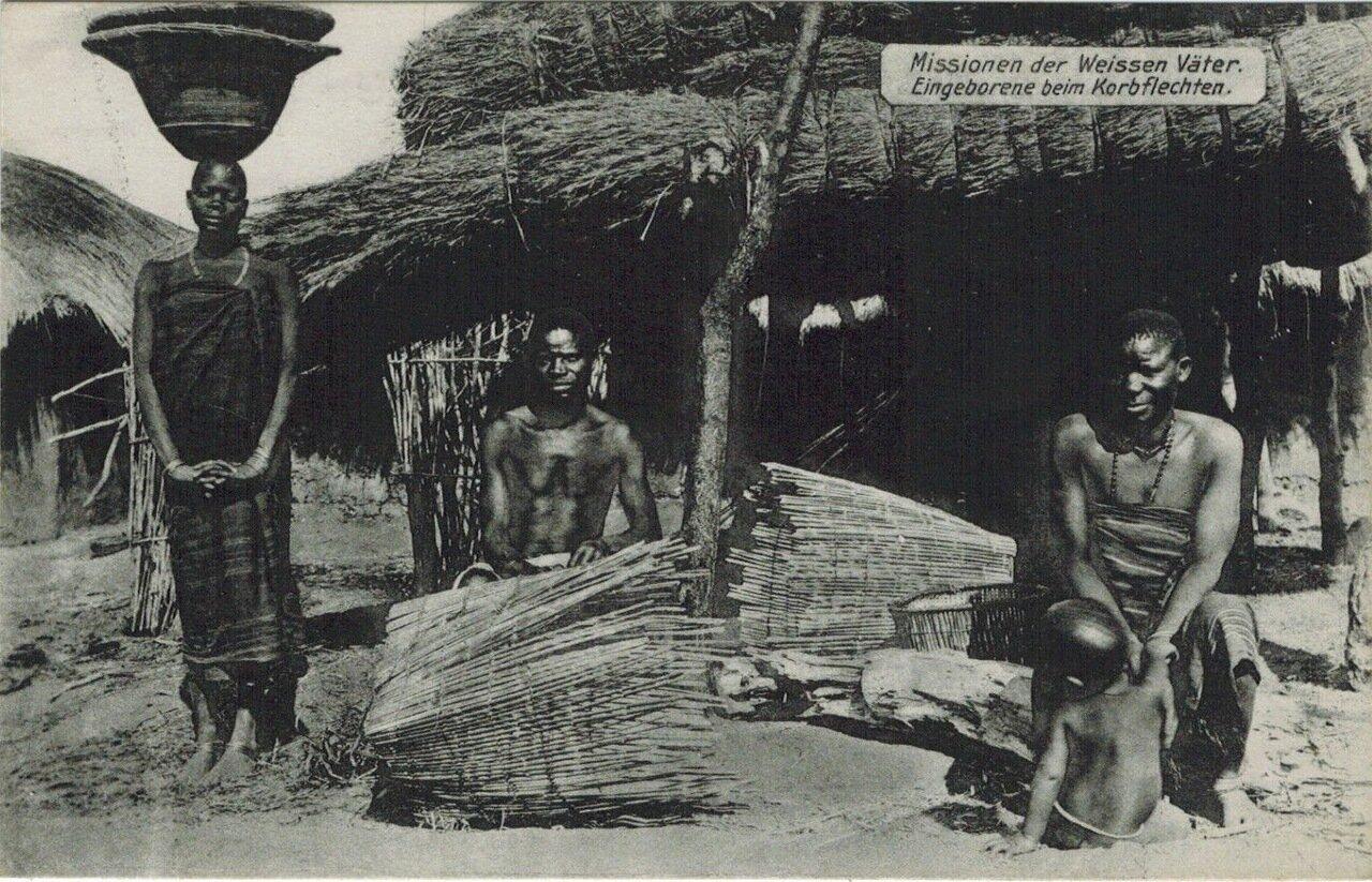 1910. Плетение из прутьев, Танзания