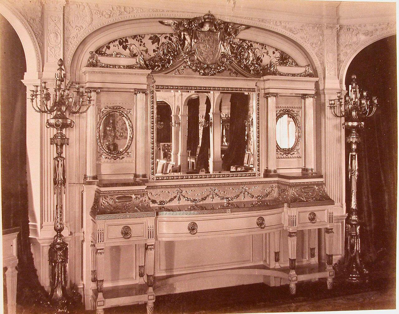 06. Будуарный столик в одном из помещений яхты «Ливадия»