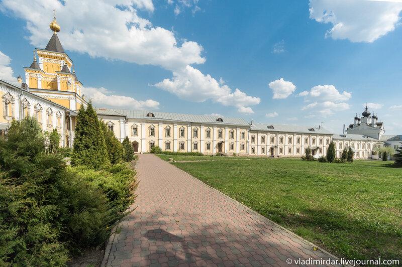 Братские корпуса. Николо-Угрешский монастырь.