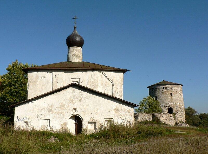 Псков. Церковь Козьмы и Дамиана с Гремячей горы (сентябрь 2006)