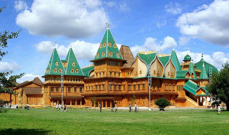 Парк Коломенское в Москве - дворец царя Алексея Михайловича