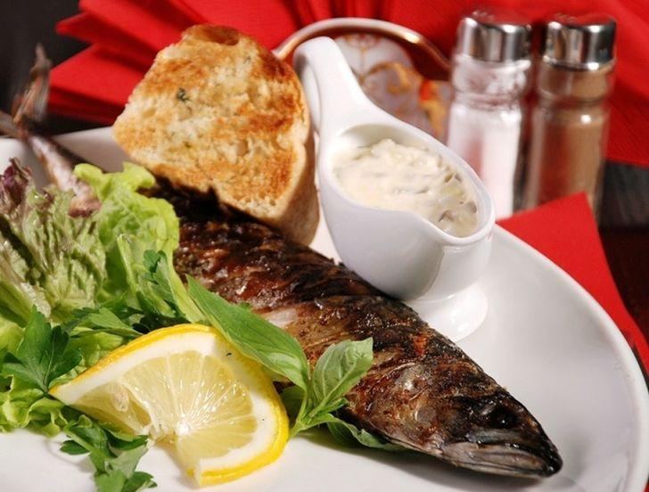 6. Тартар, или татарский соус Еще один очень простой и вкусный соус, не требующий возни с плитой. Во