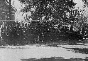 Подразделение Конно-гренадерского полка в торжественном строю перед  открытием памятника шефу полка , великому князю Михаилу Николаевичу.