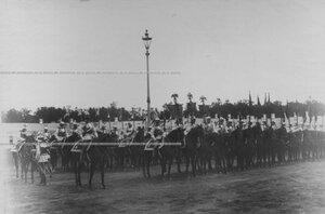 Эскадрон кирасир с полковыми штандартами  на параде в день 200-летнего юбилея.