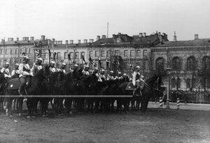 Взвод лейб-гвардии Конного полка в строевой парадной форме на Конногвардейском бульваре  в день полкового праздника.
