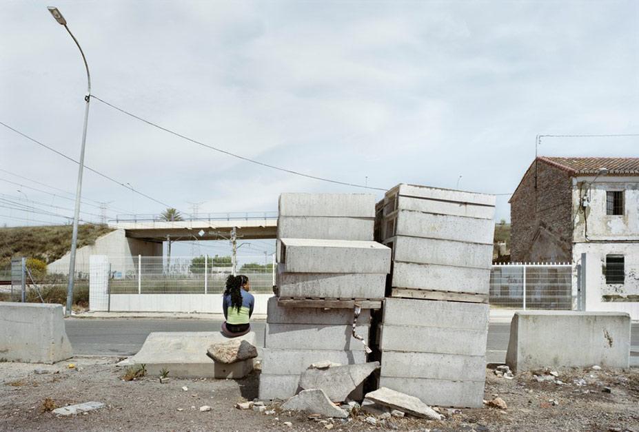 Проститутки на маленьких, второстепенных дорогах Испании / The Waiting Game by Txema Salvans in Esquire