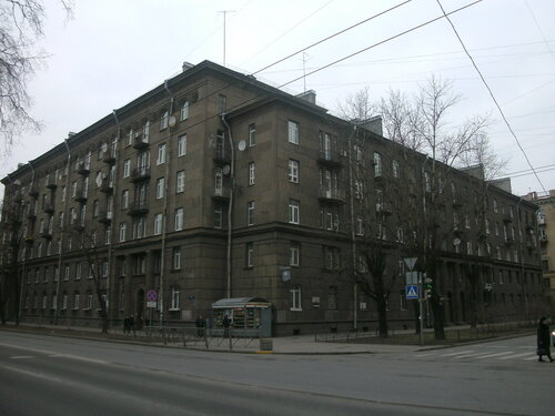 Кузнецовская ул. 42/18