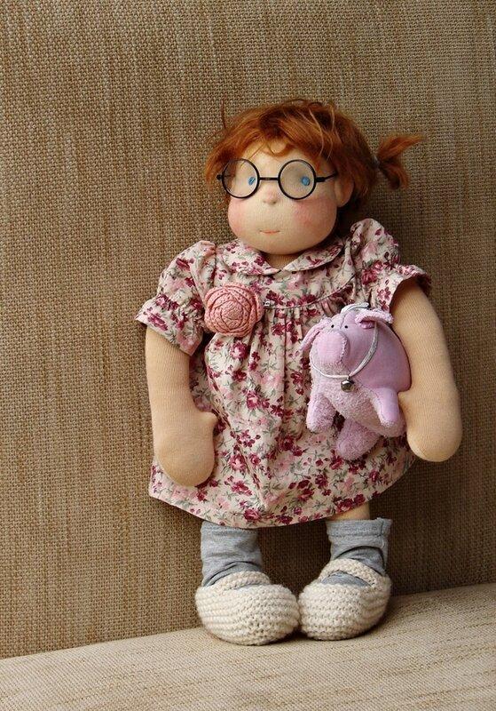 кукла со свинкой
