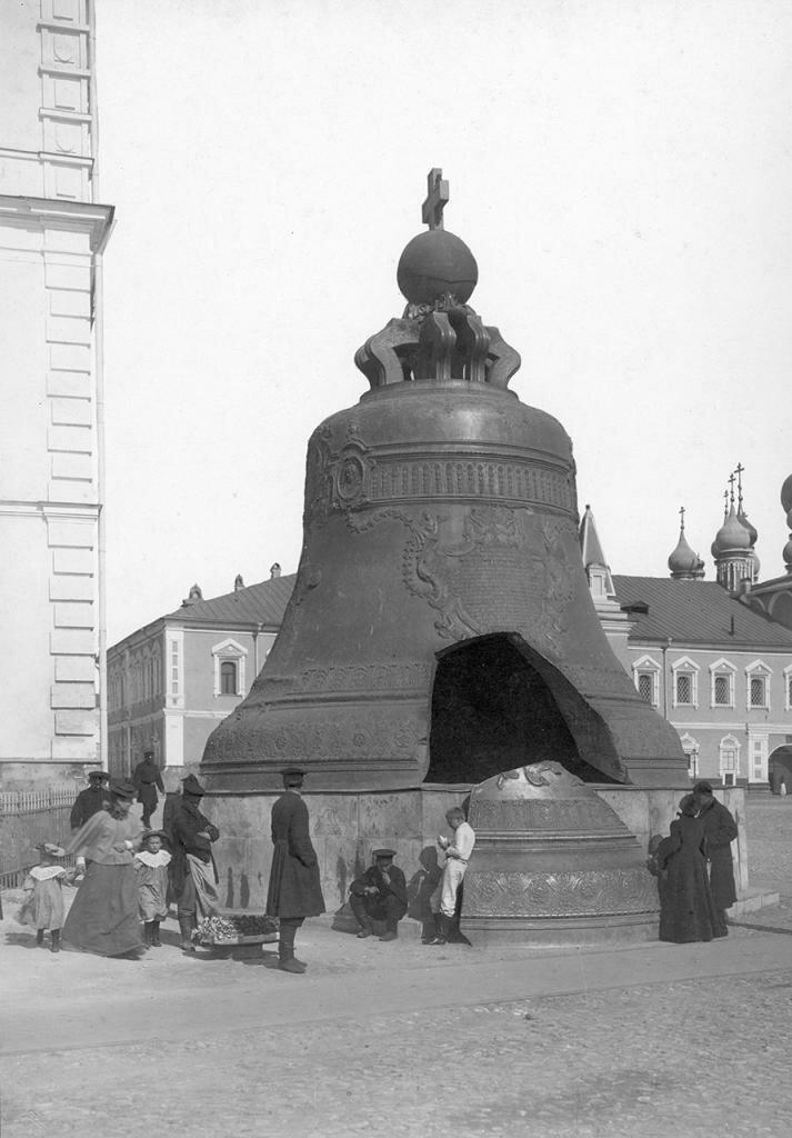Кремль. Царь-колокол.jpg