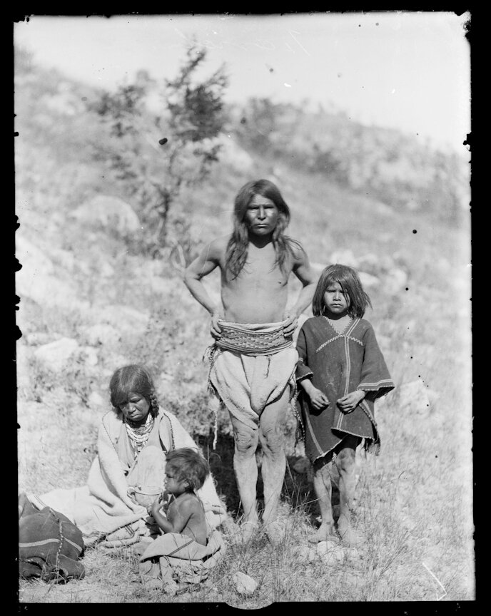 1892. Семья из Текоричека, Чихуахуа,
