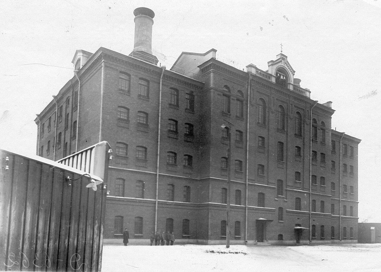 01. Общий вид здания тюрьмы