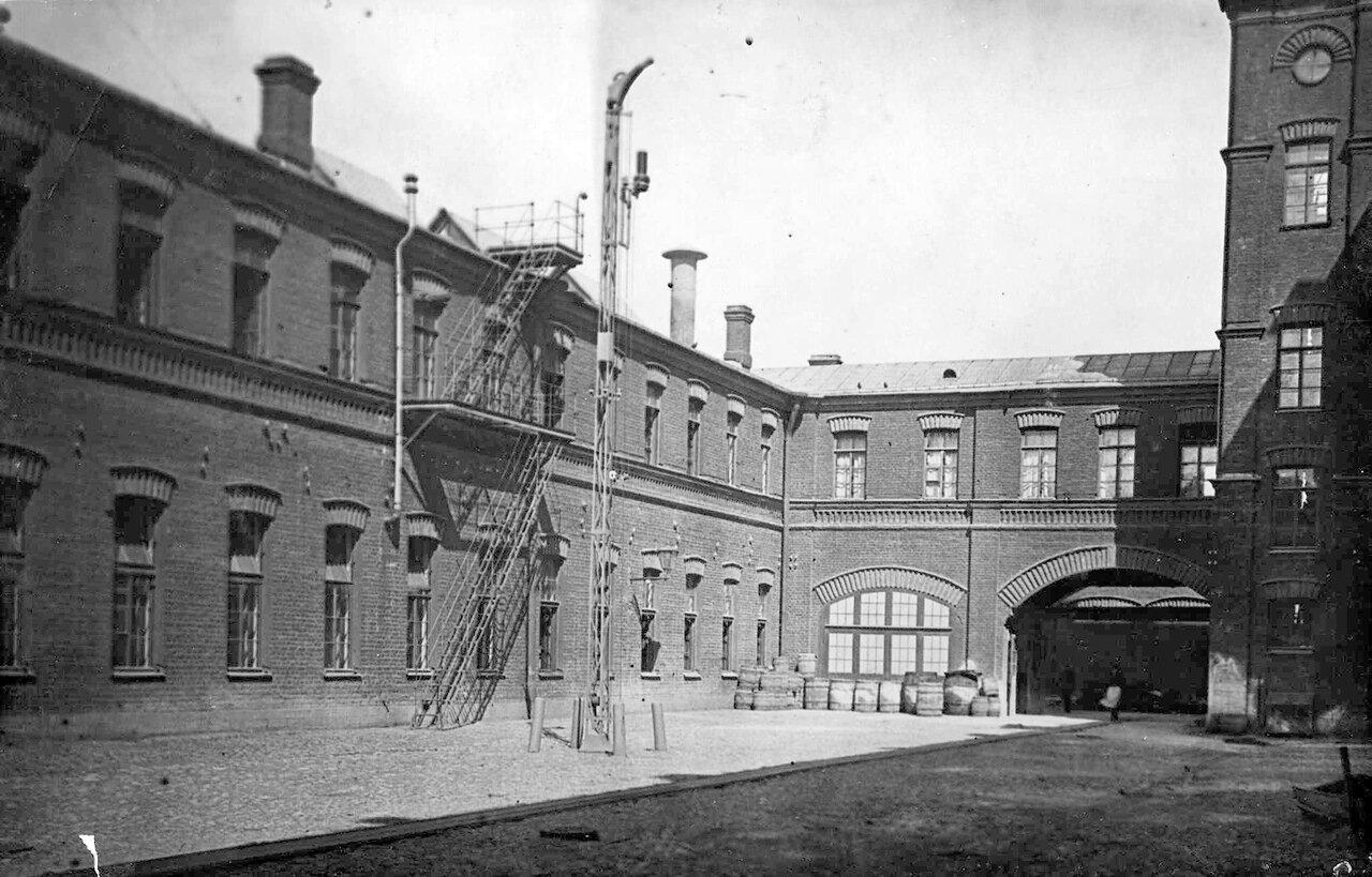 05. Внутренний вид фабричного двора