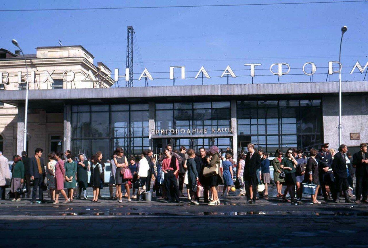 02. Пригородные кассы на вокзале