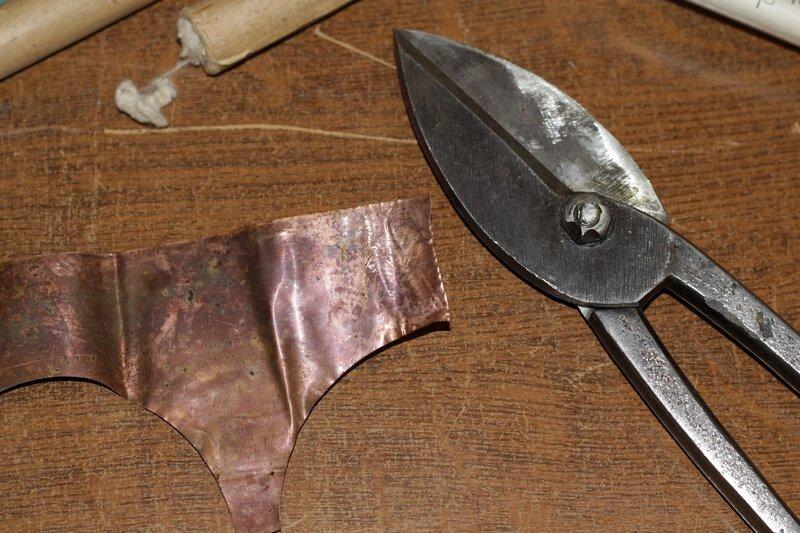 Фольга и ножницы